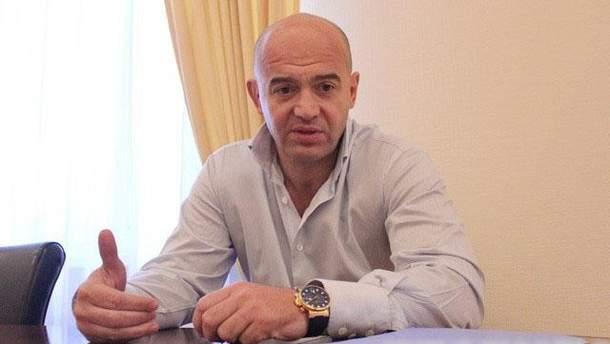 Кононенко рассказал, что многие нардепы приходят в Раду с оружием