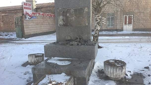 У Бердичеві понівечили пам'ятник Ватутіну