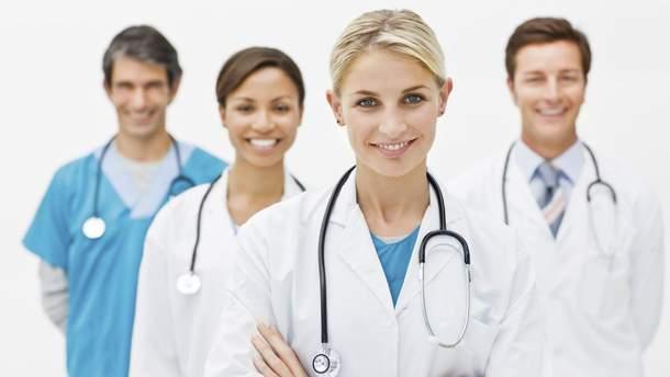 С апреля украинцы могут подписывать декларации с врачами