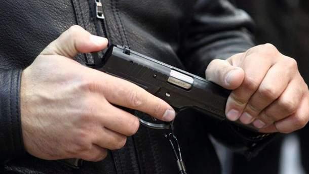 Близько 70 депутатів є власниками зброї