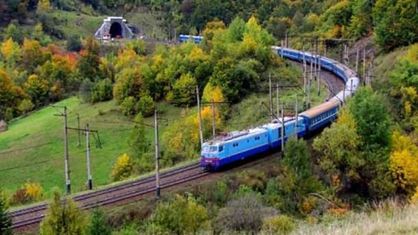 """""""Укрзалізниця"""" призначила на Великдень 4 додаткові поїзди"""