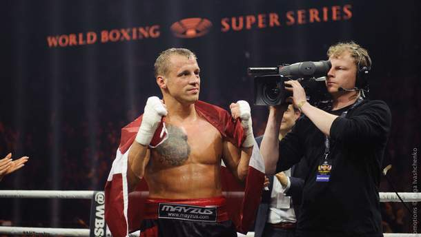 Назвали боксера, который может заменить Усика в финале WBSS