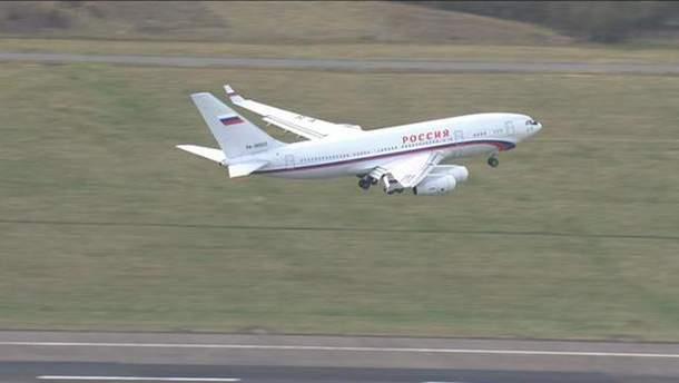 Ил-96, на котором вылетали российские дипломаты