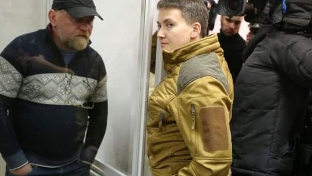 Савченко и Рубан получали оружие из России, заявил Луценко