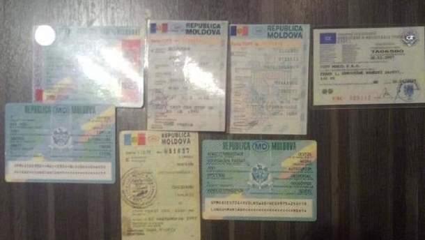 Впіймали злочинців, які підробляли документи