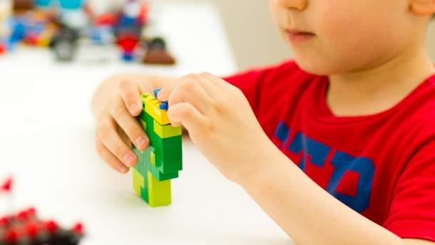 Усі перші класи в Україні безкоштовно отримають набори LEGO
