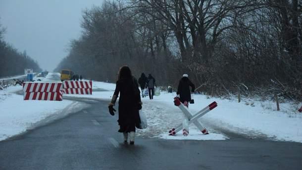 Во время пересечения линии соприкосновения в Донецкой области у мужчины остановилось сердце