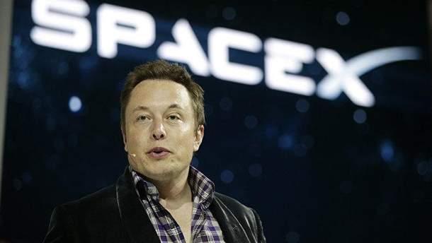 Ілон Маск видалив сторінки SpaceX і Tesla в Facebook
