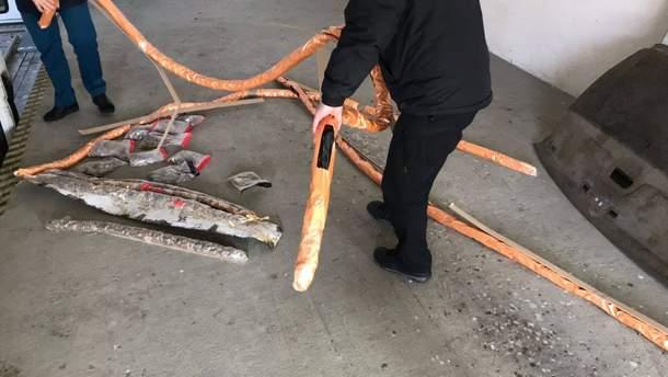 Понад 100 кілограмів бурштину затримали на кордоні з Польщею