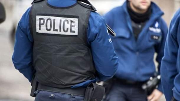 Во Франции полиция задержала водителя, который попытался наехать на людей