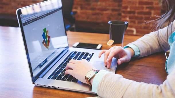 Обучение онлайн: как получить диплом зарубежного вуза, не выходя из дома