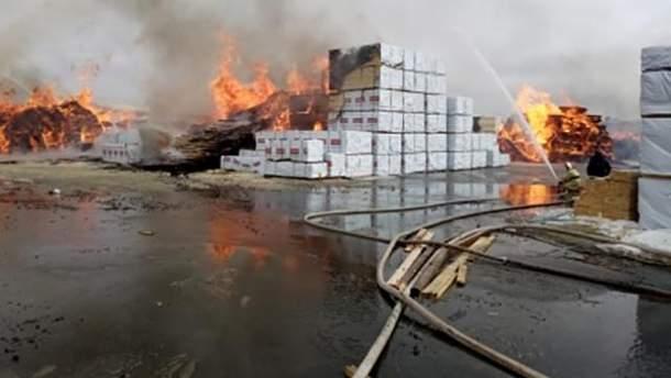 Пожар на деревообрабатывающем предприятии в России