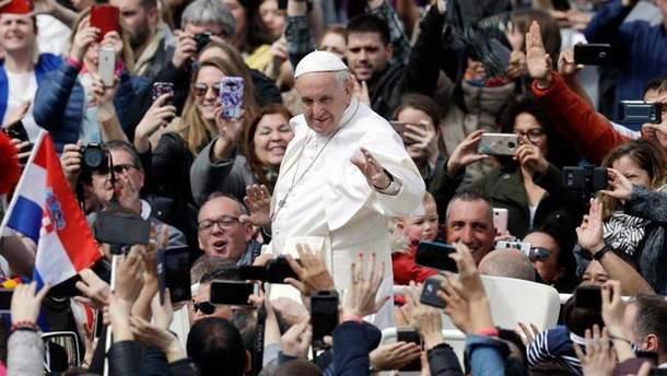 """Папа Римский попросил """"плодов мира"""" для Украины"""