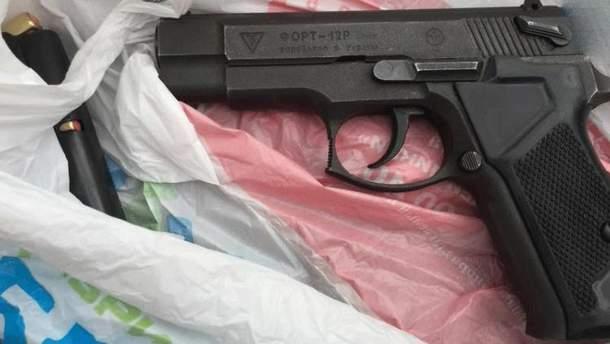 Одесит відкрив стрілянину у житловому будинку