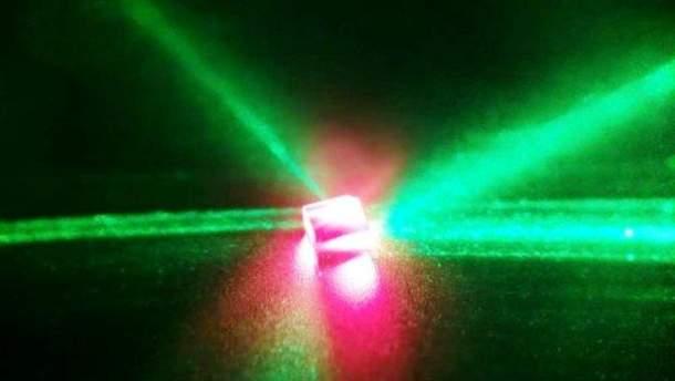 """Вчені створили унікального """"родича"""" лазера"""