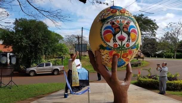 В Аргентині з'явився особливий пам'ятник писанці