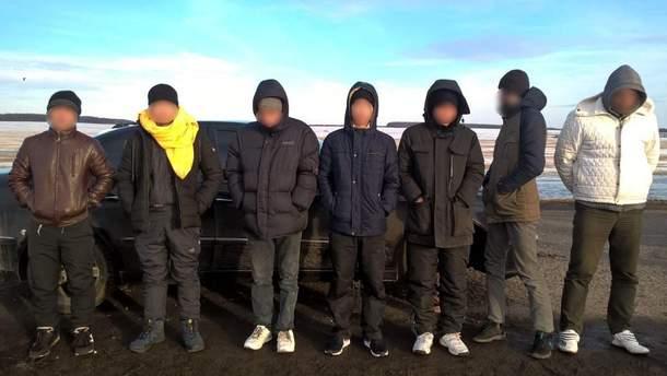 Українець намагався вивезти з Росії п'ять в'єтнамців та росіянина