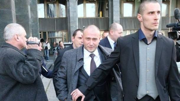 Олександр Шумков (на передньому плані) був охоронцем Дмитра Яроша
