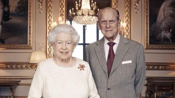Королева Елизавета II и ее муж Филипп