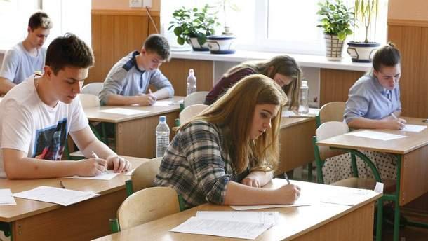 Более 335 тыс. желающих зарегистрировались на тесты ВНО-2018