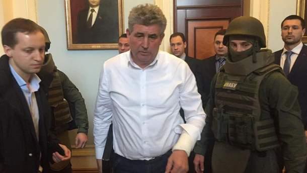 Судья в нервах порезал себе руку авторучкой в Николаеве