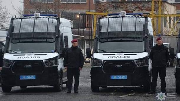 Поліції Львова передали 19 новеньких службових авто