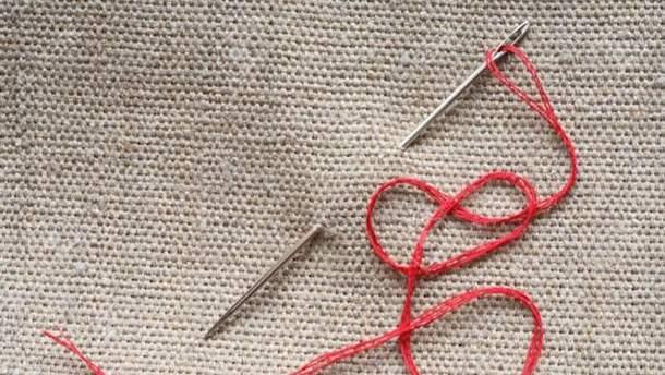 Как продеть нитку в иголку
