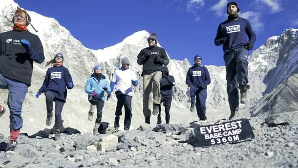 Украинка стала участницей установления рекорда на Эвересте
