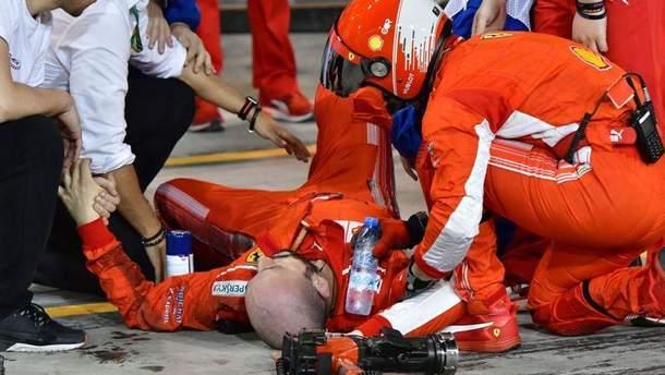 В результате наезда на ногу механик получил перелом берцовых костей