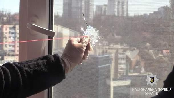 Чоловік обстріляв вікна киян