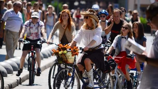 В Киеве будут бесплатно учить безопасности движения на велосипеде
