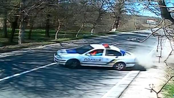 Полицейская машина устроила ДТП на Закарпатье: видео аварии