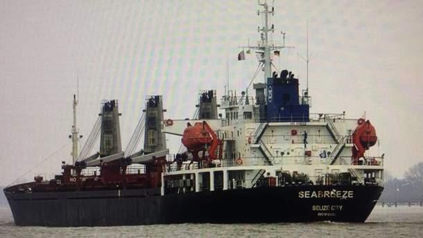 Задержанный российский корабль в Черном море