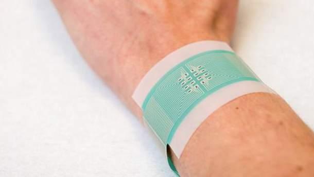 Ученые представили электронный пластырь для измерения уровня глюкозы