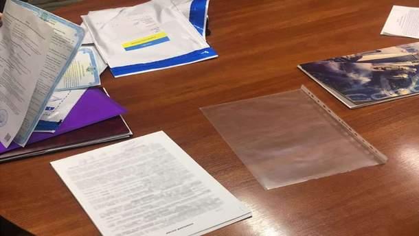 Мужчина с поддельным паспортом в Киеве продавал квартиру