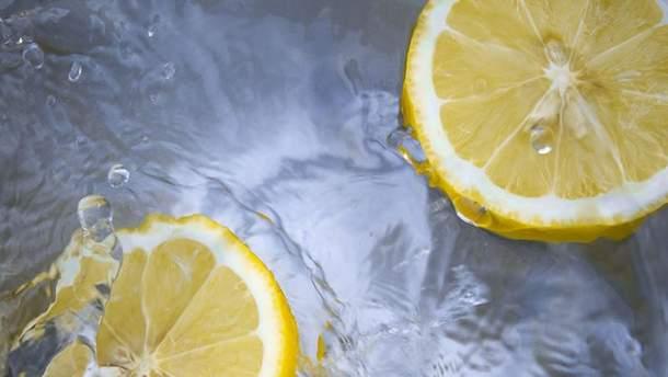 Скільки насправді треба пити води