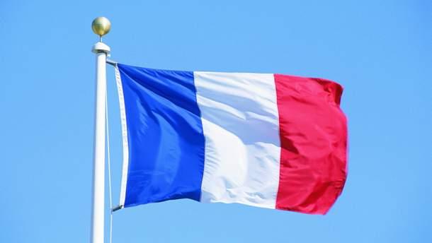 У Франції військовий літак випадково скинув бомбу на завод