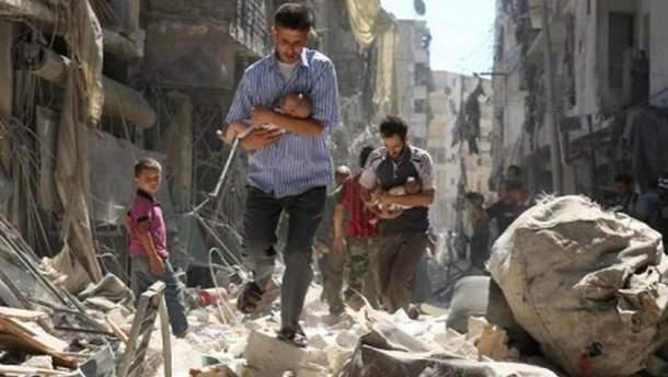 Вертолеты, которые сбросили химическое оружие на Думу, прилетели с авиабазы президента Асада
