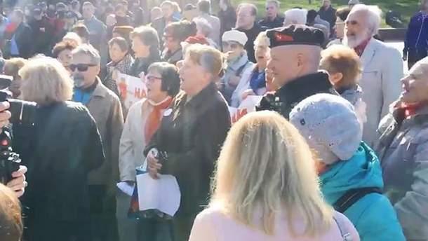 В Одессе под гимн Украины спели советский марш