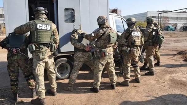 Співробітники СБУ затримали російських диверсантів (ілюстрація)