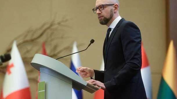 Арсений Яценюк считает, что отставка Кабмина сейчас не нужна
