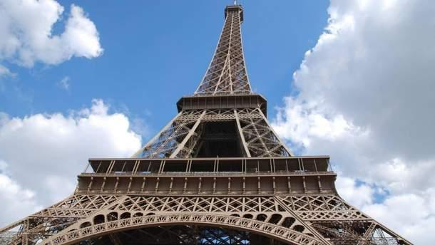 Эйфелеву башню закрыли из-за забастовки