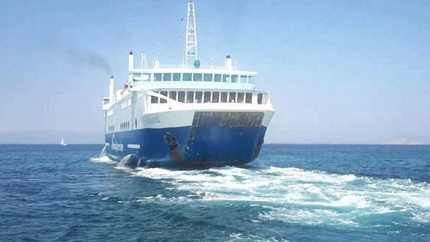В Греции паром, на борту которого находились почти 200 человек, протаранил причал