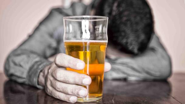На сколько алкоголь сокращает жизнь