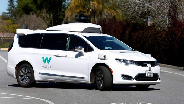 В Калифорнии впервые испытывают электрокар без водителя-испытателя