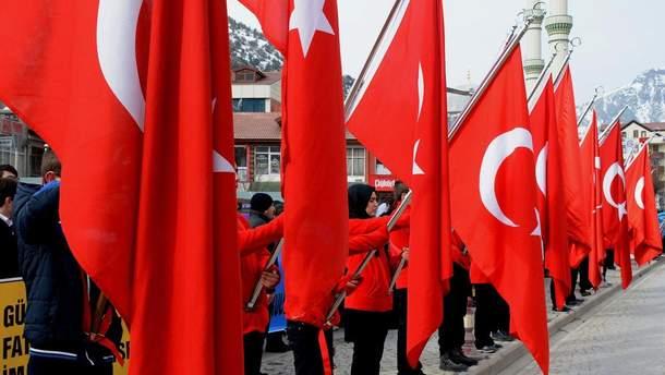 Турция поддерживает действия США и их союзников против Сирии