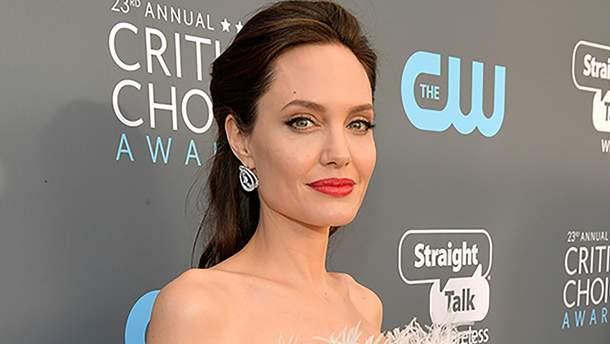 Анджелина Джоли имеет проблемы со здоровьем