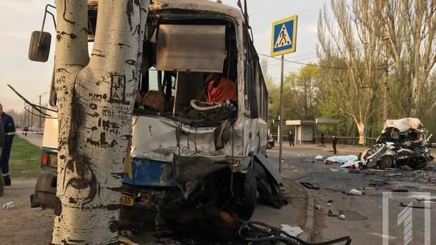 В Кривом роге ужасное ДТП: по меньшей мере 7 человек погибли, 12 пострадали