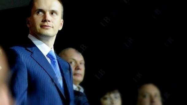 Суд снял арест со счетов ряда фирм Януковича-младшего