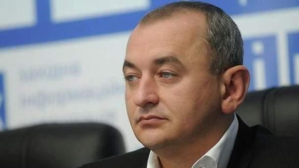 Військовий прокурор Анатолій Матіос подав до суду на Віктора Муженка